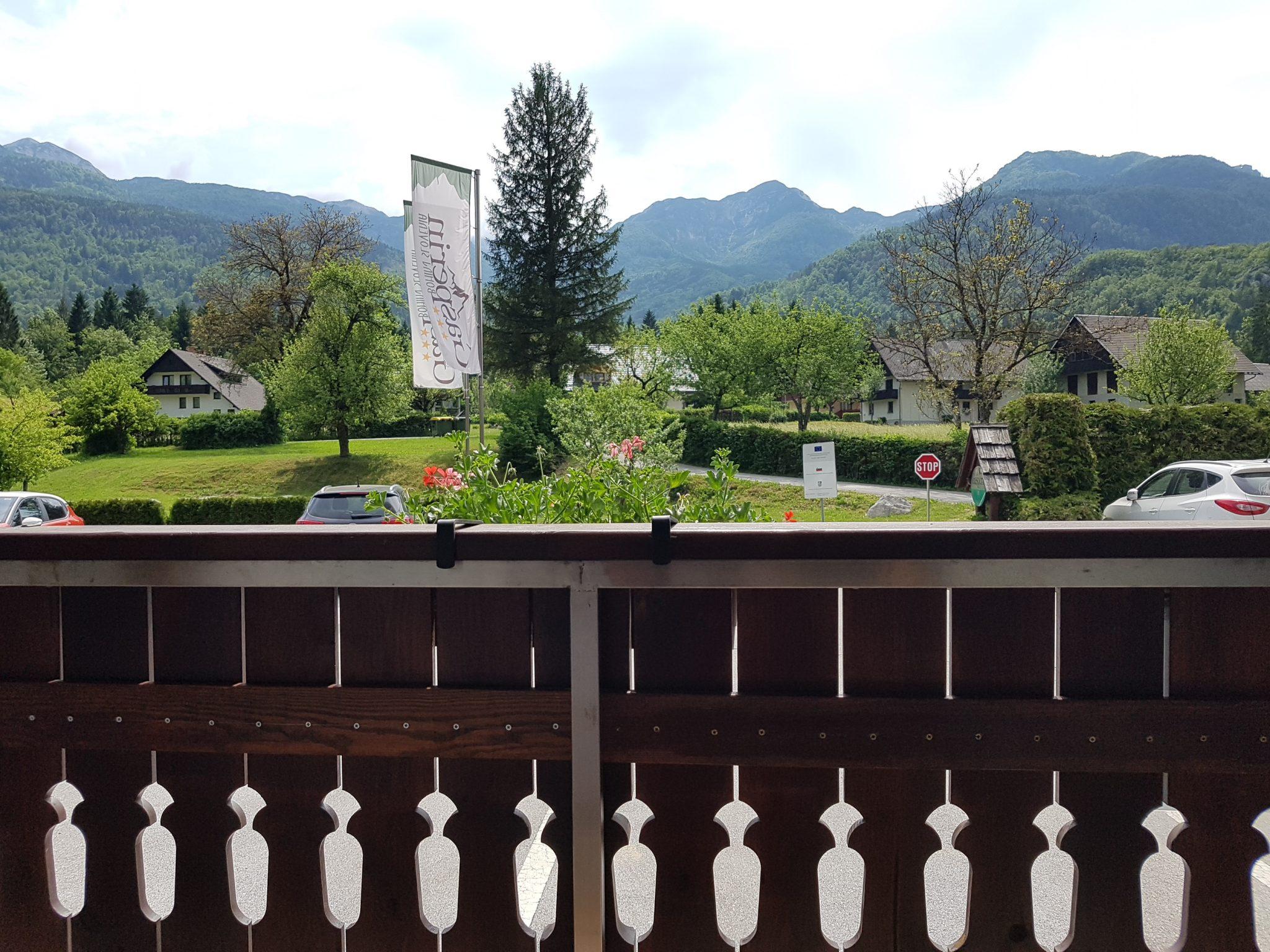 Dvoposteljna soba s pogledom na gore – pritličje